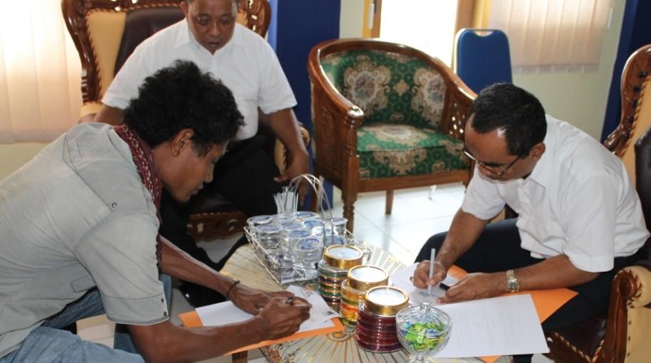 Mou AMAN Maluku Utara dengan RRI Ternate