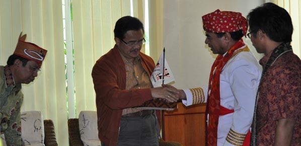 Audiensi Pengurus AMAN Pusat dan Wilayah dengan Gubernur Kalimantan Tengah.