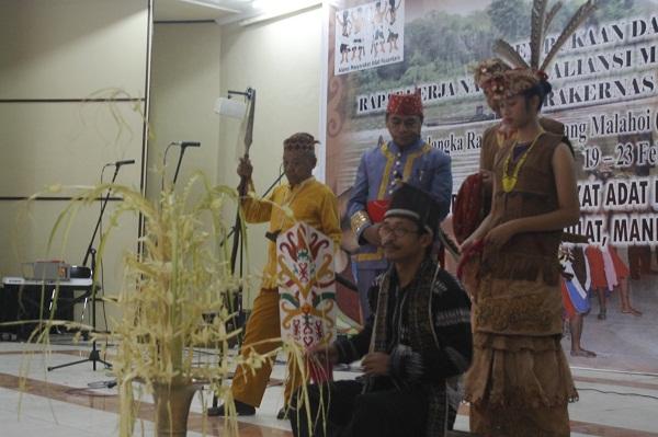 Ritual Balian Bulan Barito Timur & Dialog Umum Buka Rakernas AMAN ke-III