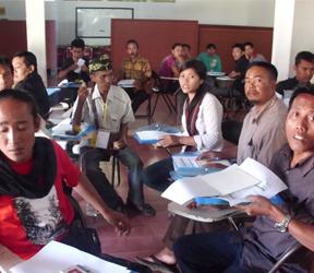 PW AMAN NTB melakukan training Community Organiser