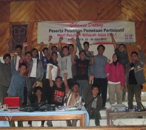 Pelatihan pemetaan partisipatif di Pandumaan Sipituhuta