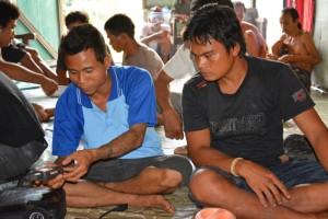 Komunitas AMAN Kalteng Fasilitasi Pelatihan Pemetaan Partisipatif (yg bertato, Bambang , Tumbang Bahanei)