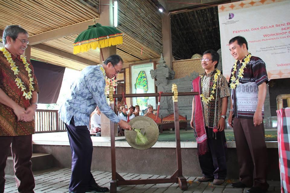 Antara Ritus dan Angklung Bali