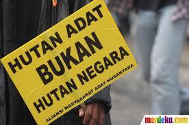 PERKEMBANGAN HUKUM DAN KEBIJAKAN PASKA PUTUSAN MK 35/PUU-X/2012