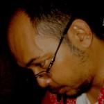 sumber gambar:http://tribute-to-wiji-thukul.blogspot.com/2013/06/cv-ringkas-andreas-iswinarto-juru-kunci.html