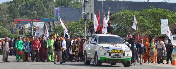 Pawai Adat Awali Pembukaan Rakernas AMAN