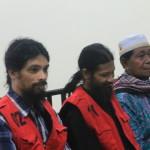 Bukum - Nuhu bersama penerjemah di Persidangan Pengadilan Negeri Soasio, Kepulauan Tidore, Maluku Utara