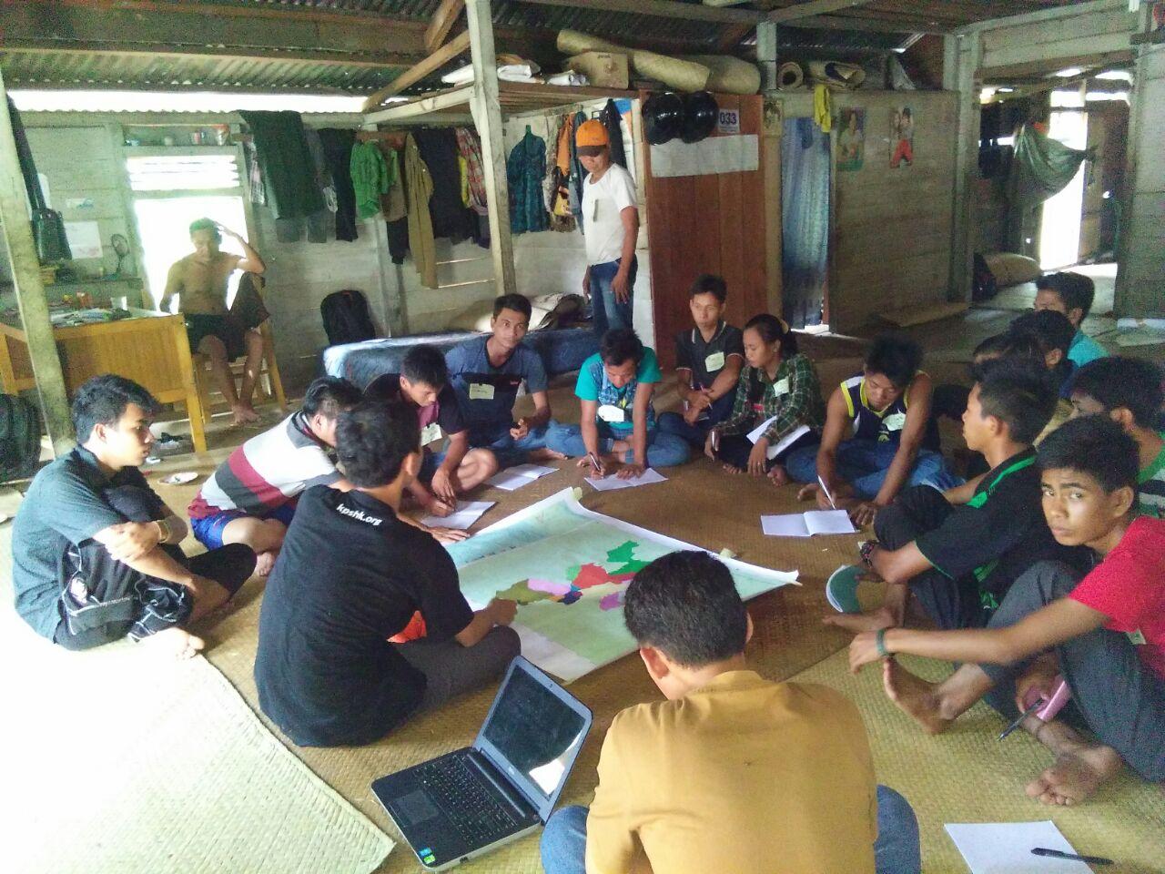 Pemuda Adat Talang Mamak Melakukan Pemetaan Wilayah Adat