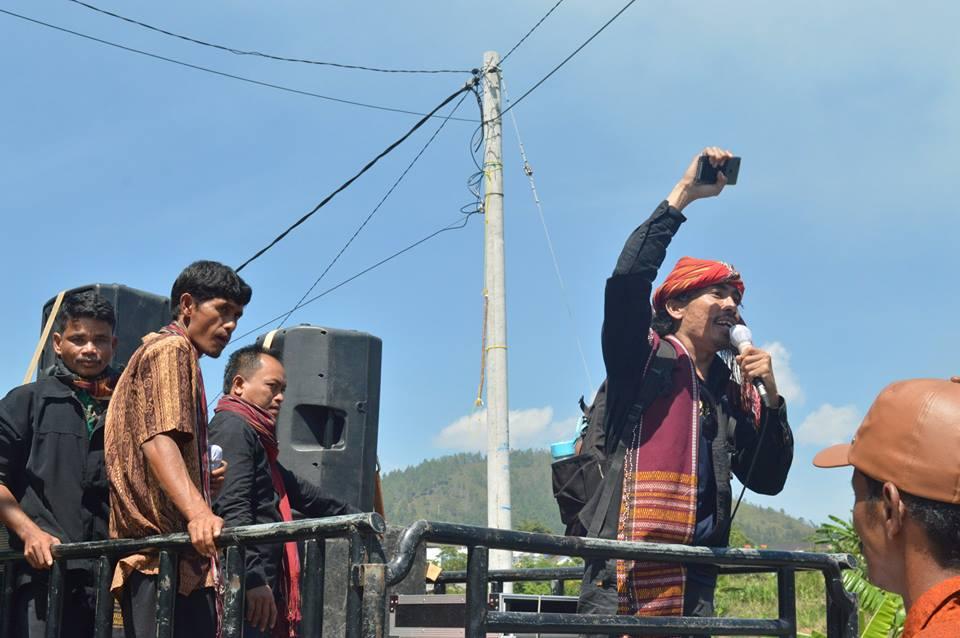 Berita Foto : Forum Masyarakat Adat Toba Samosir, AMAN Tano Batak dan AMAN Toba Samosir Desak Pemerintah Daerah Provinsi Sumatera Utara Selesaikan PERDA Pengakuan dan Pelindungan Masyarakat Adat