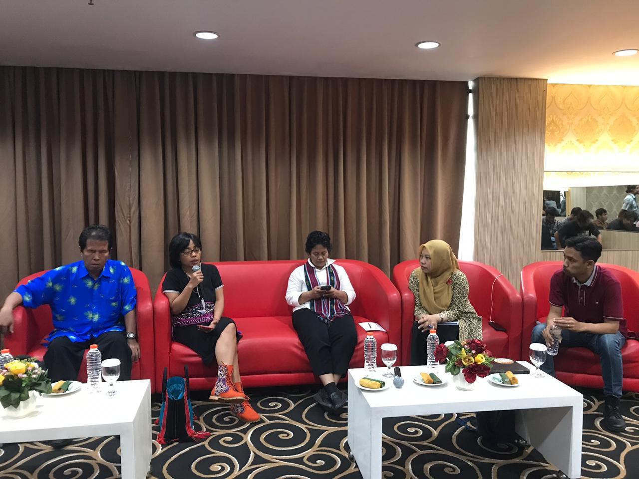 Partisipasi Politik Masyarakat Adat; Meretas Jalan Baru Politik Indonesia