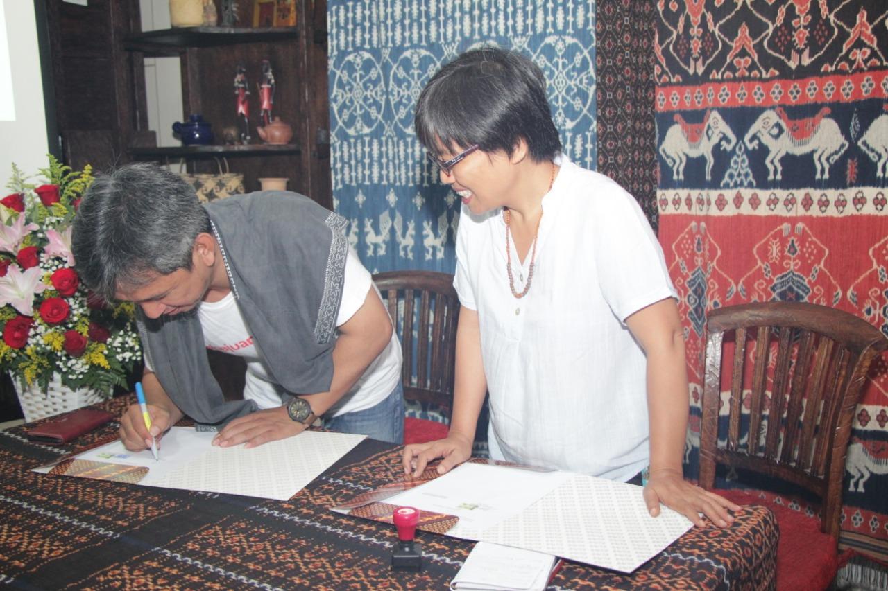 AMAN dan JRKI Tanda Tangani MoU Pengembangan Radio Komunitas AMAN