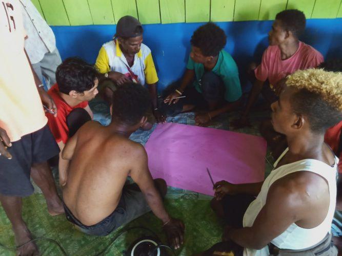 Lokakarya Pemetaan Partisipatif Wilayah Adat dan Penguatan Kapasitas Komunitas/Marga di Kampung Wonosobo, Distrik Moi Sigin, Kabupaten Sorong, Papua Barat