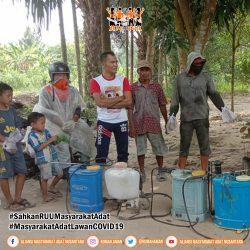 Cegah COVID-19, AMAN Sumatra Utara Lakukan Penyemprotan Disinfektan
