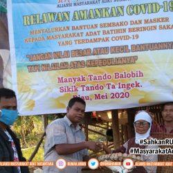 Gugus Tugas AMANKan COVID-19 Komunitas Adat Sakai Salurkan Bantuan Sembako dan Masker