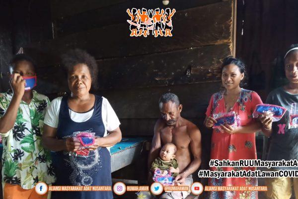 Gugus Tugas AMANkanCOVID19 Terima Donasi Masker dan Distribusikan ke Masyarakat Adat